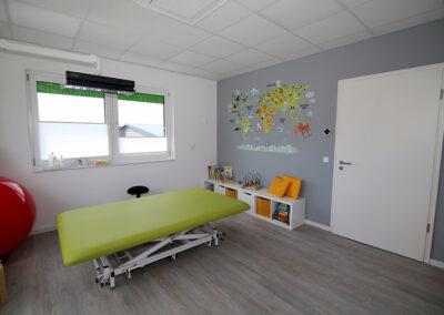 Kinderbenhandlungsraum